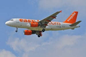 Airbus A318 easyJet © Aeroworldpictures