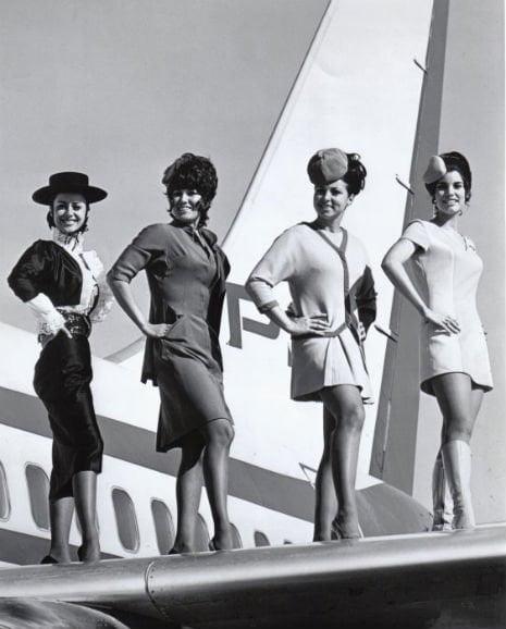Hôtesses de l'air © DR