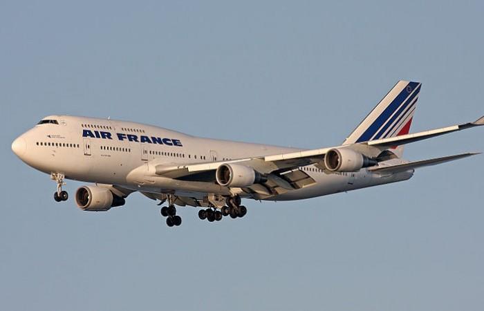 pnc contact h tesse de l 39 air et steward bye bye boeing 747. Black Bedroom Furniture Sets. Home Design Ideas