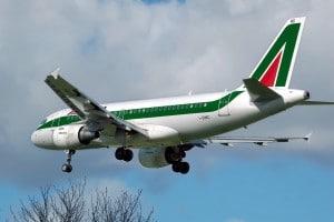 Alitalia A319 © Domaine Public