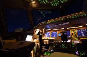Cockpit Boeing 777 © DR