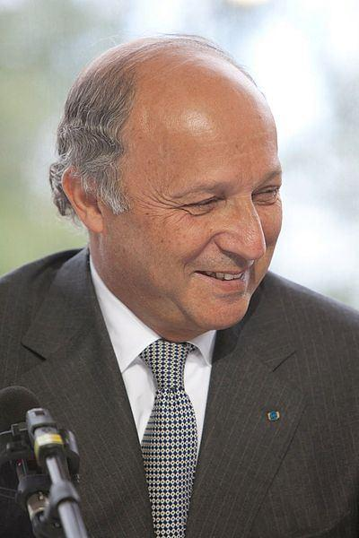 Fabius critique Air France