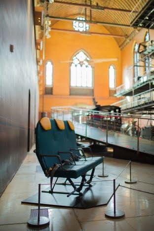 Le Titanium Seat au musée