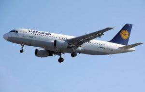 Airbus A320-200 de la Lufthansa © Adrian Pingstone