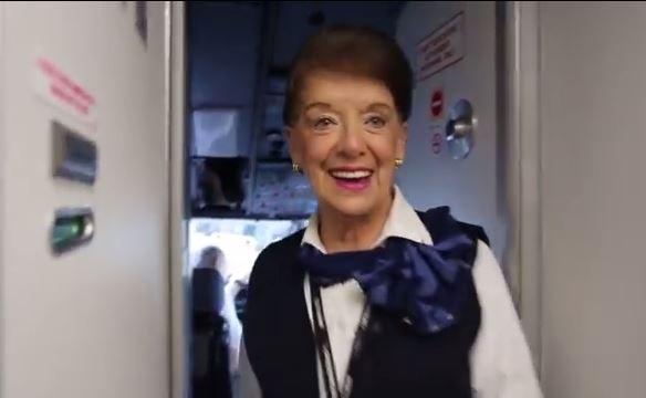 Hôtesse de l'air a 80 ans !