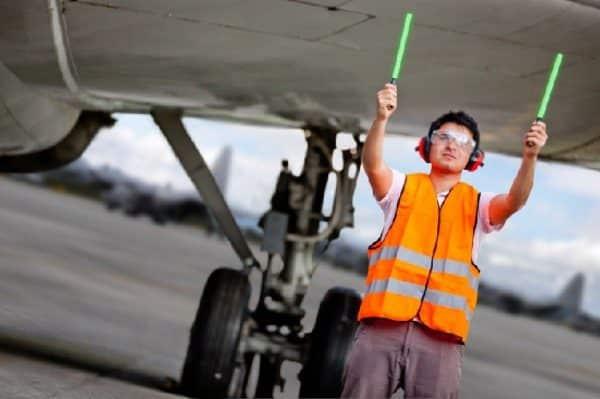 Agent de piste aéroportuaire