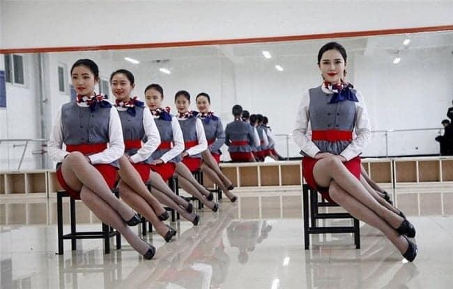 Hôtesses de l'air chinoises , geisha GI Joe…